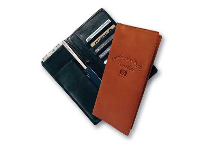 7051 - Duke Travel Wallet
